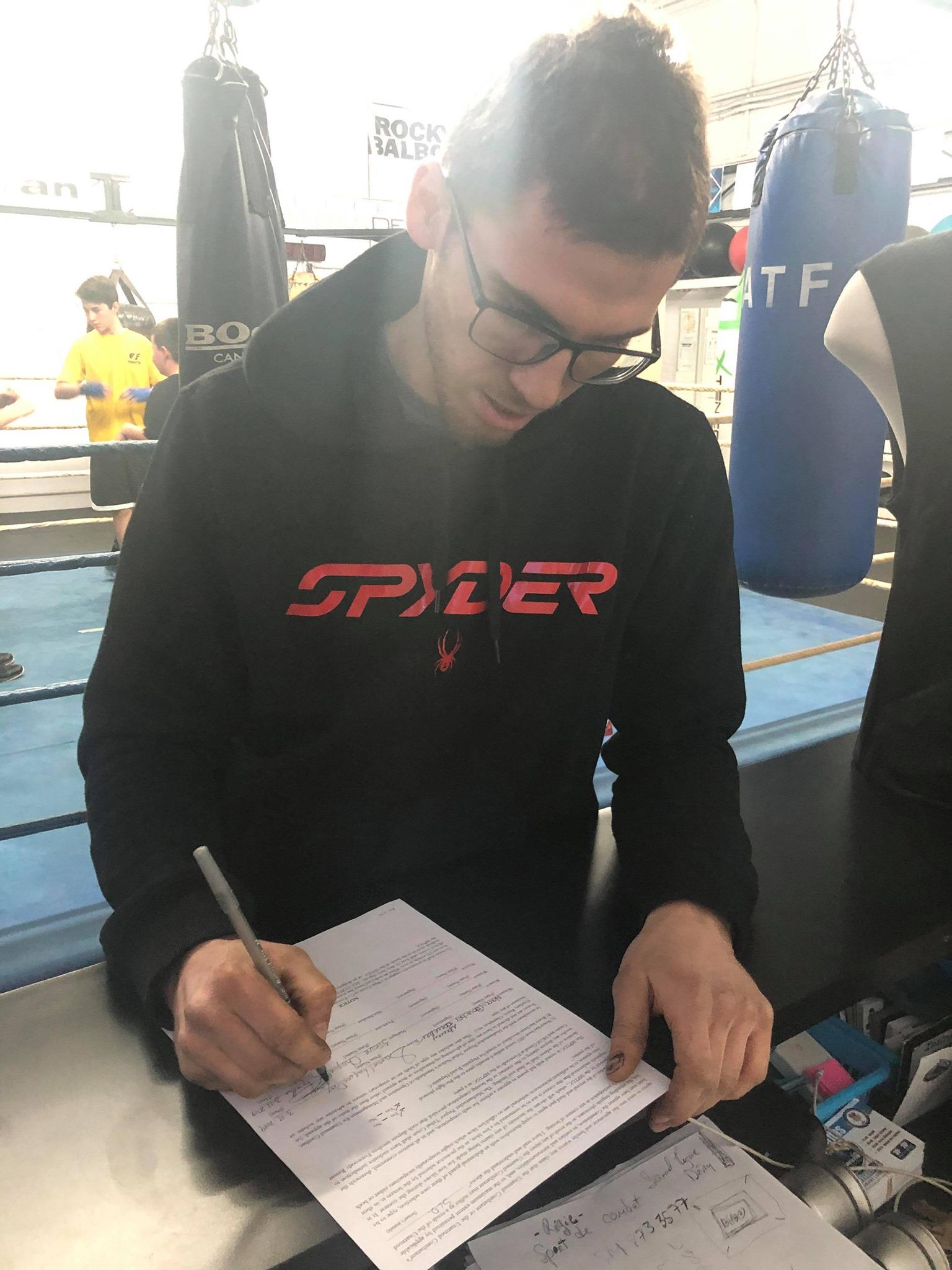 Une première signature américaine pour Raging Dog Boxing and Management